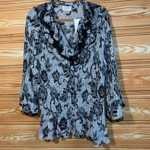 NWT Avenue Black & White Lace Button Down Blouse